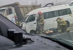Choque entre volquete y combi deja seis heridos en el ingreso a Trujillo