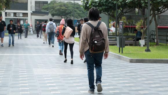Universitarios. (Foto: GEC)
