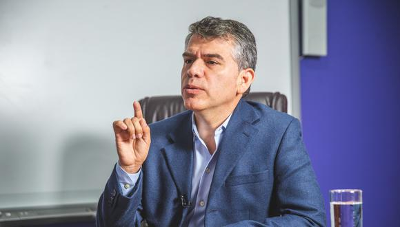 Candidato del Partido Morado también atribuye su descenso a que la ciudadanía vincula su postulación con el actual gobierno de Francisco Sagasti.