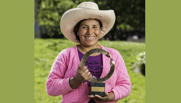 Máxima Acuña recibe premio Goldman por su lucha ambiental