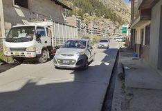 Huancavelica: Vehículos estacionados son un riesgo porque provocan accidentes