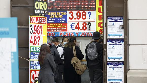 El precio del dólar toco su pico histórico de S/ 4.07 el último viernes en el mercado peruano. (Foto: Joel Alonzo / GEC)