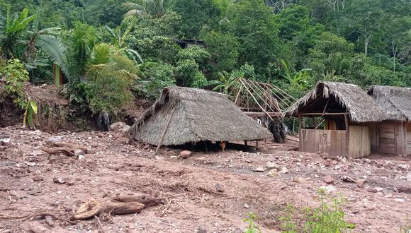 Deslizamiento arrasó con viviendas
