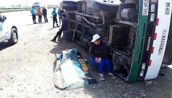Un muerto y 25 heridos en choque entre bus y coaster