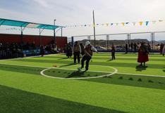 Inauguran complejo deportivo en distrito de Capachica