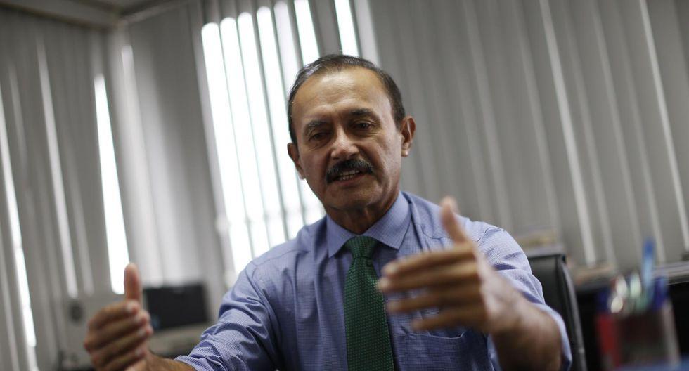 Otto Guibovich planteará marcador de entrada y salida al Congreso para regular el trabajo legislativo