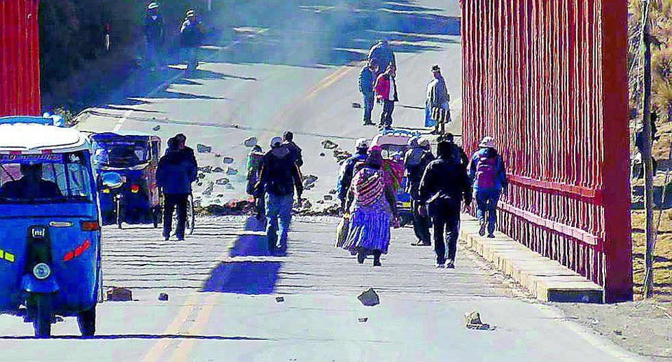 El Collao realiza protesta de 48 horas  por carretera  Checca-Mazocruz