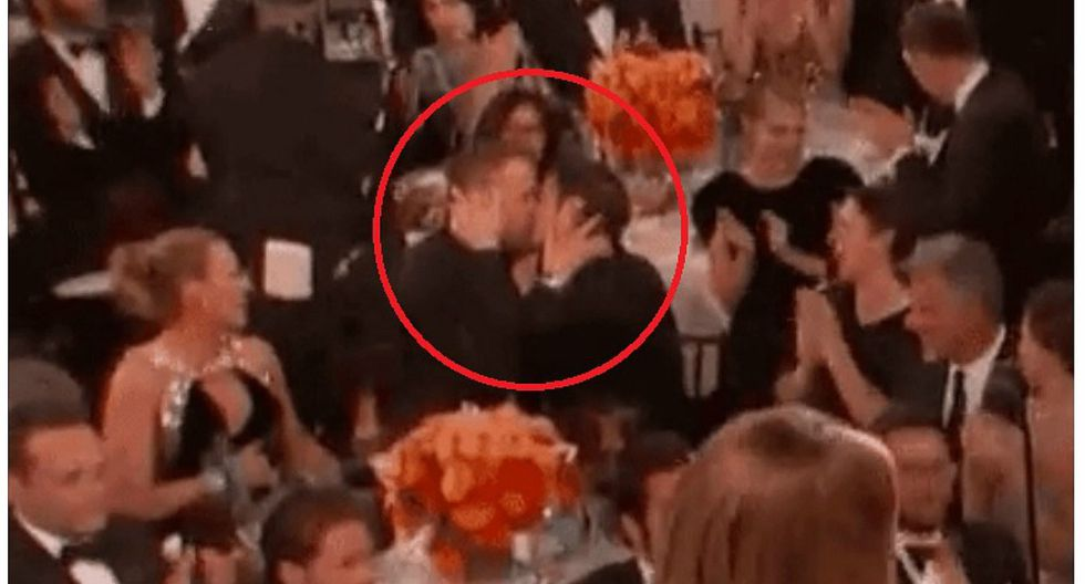 ​Globos de Oro 2017: Ryan Reynolds y Andrew Garfield protagonizan beso en ceremonia (VIDEO)