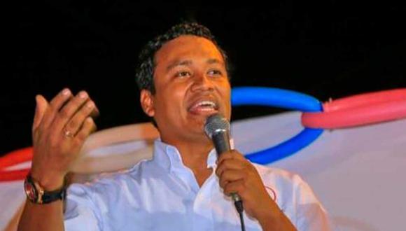 El flamante funcionario, Lenin Ávila, desde hace meses realiza campaña política con miras a una candidatura a la alcaldía de Tumbes por APP.