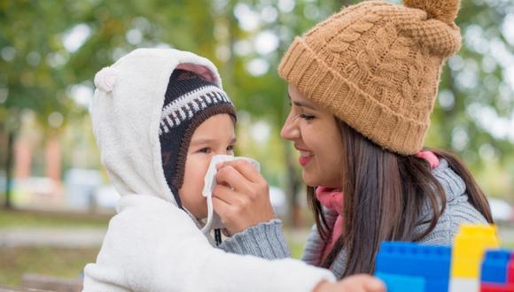 """""""Es importante que los padres se preocupen por tener al día las vacunas de sus hijos, así se pueden evitar el rebrote de enfermedades como pasó el año pasado con la difteria"""", dijo la pediatra Verónica Petrozzi. (Foto: Shutterstock)"""