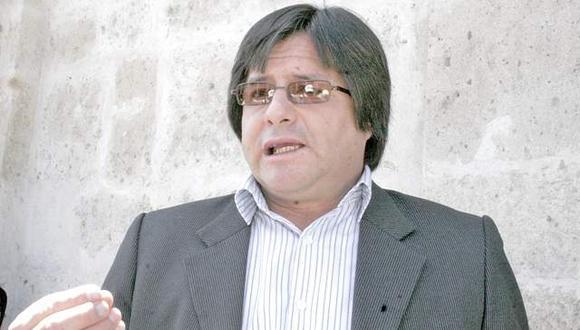 Hamer Villena pide a maestros volver a las aulas