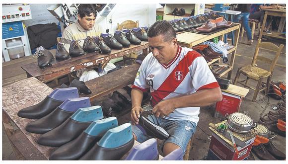 Economista Francisco Huertas señala, como ejemplos, que calzado, metal mecánica y confecciones no han tenido acceso a Reactiva Perú. Pide rediseñar el programa para que no solo se apoye a los  grandes. Pequeños empresarios temen segunda ola porque sería su declive total.