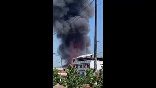 Incendio en Pucallpa: Explosiones de balones de gas y más de 3 horas de siniestro (VIDEO)