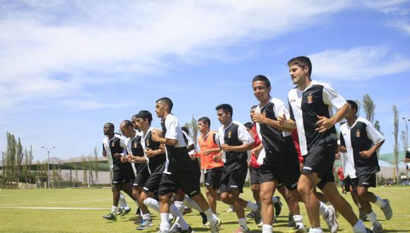 'Rojinegros' entrenan mañana en el Club de Abogados