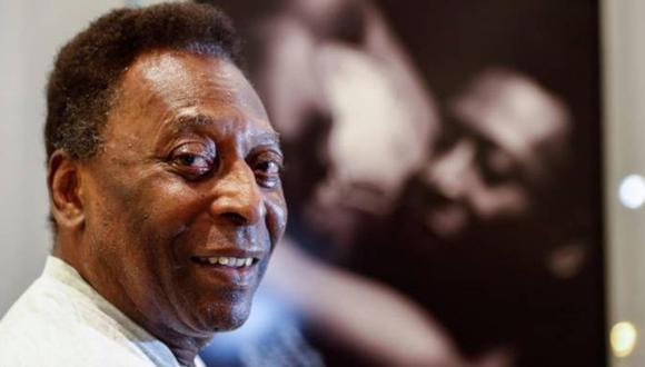 Edson Arantes do Nascimento 'Pelé' pasa su cumpleaños en su casa de Guarujá, en Sao Paulo.