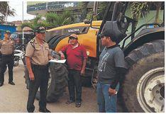 Recuperan tractor robado a agricultor en villa San Isidro
