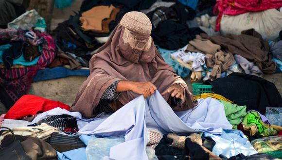 Los talibanes no han atacado físicamente a las mujeres que estudian o trabajan en Kandahar (sur), según varios testimonios.(Foto: Javed Tanveer / AFP)