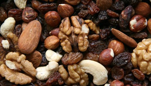 Hay diversos alimentos que aportan energía al cuerpo. Los frutos secos son ideales como snack. (Foto: Pixabay)
