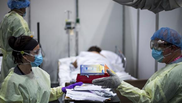 En Estados Unidos, los nuevos contagios han aumentado explosivamente en más de 80% en las últimas dos semanas hasta alcanzar los niveles más altos desde que se llevan estadísticas. (Foto: AFP)