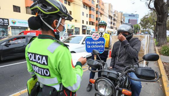La  Municipalidad de Lima y la Policía ejecutaron a motociclistas que invadieron la ciclovía de la Av. Pershing. (Foto: MML)
