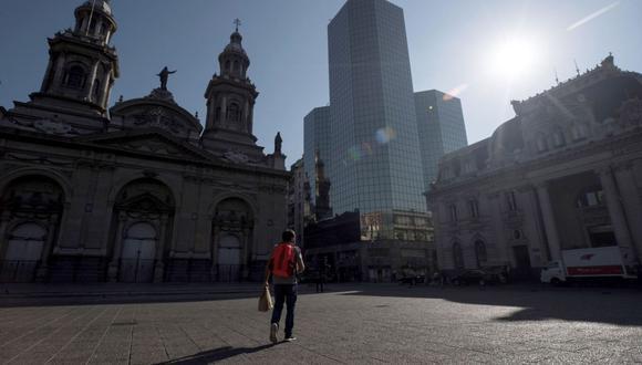 Si la visa es por estudios o por trabajo deberá documentar que su ingreso a Chile es por cualquiera de estos dos motivos con documentos oficiales y certificados. (Foto: Andina)