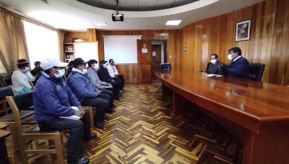 El funcionario agradeció a la autoridad edil por la confianza y señaló que reasume el cargo fortalecido. (Foto: Feliciano Gutiérrez)