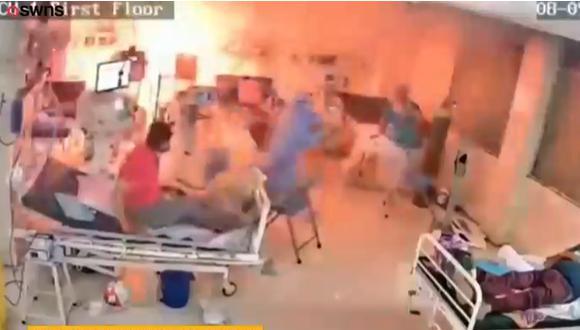 Pacientes con COVID-19 fueron evacuados por los médicos que atendían en la sala de cuidados intensivos