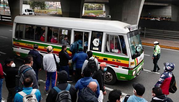 Transportistas levantan paro y volverán a circular este miércoles ante posible aprobación de subsidio (Foto: Angela Ponce / GEC)