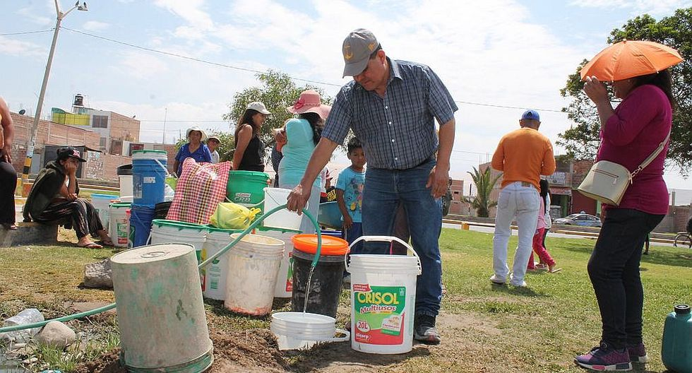Carencia de agua potable en viviendas genera peleas y discusiones entre vecinos