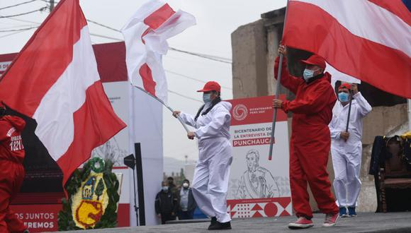 Alcaldes renovaron el compromiso se seguir trabajando en beneficio de la población con ceremonias protocolares. (Foto: Facebook Bicentenario Perú)