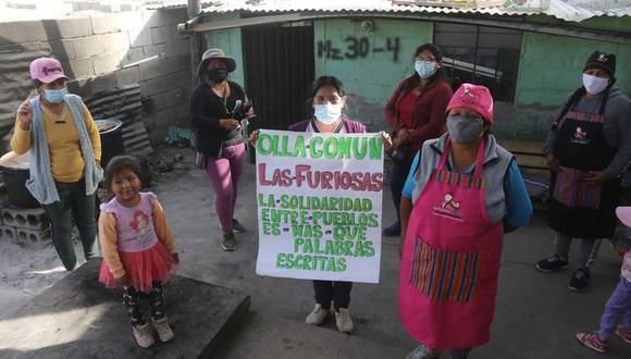 La olla común Las Furiosas se resiste a cerrar y las mujeres se las ingenian para cocinar todos los días. (Foto: Eduardo Barreda)