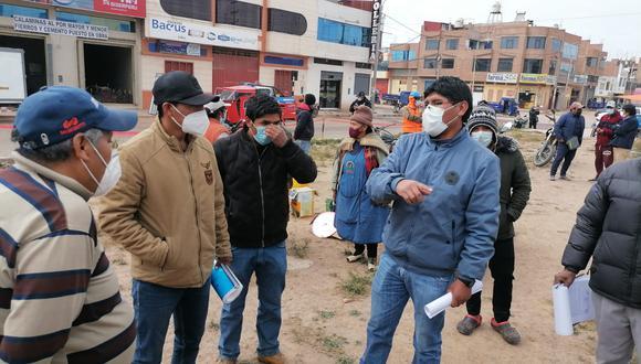 Los vecinos del lugar consideran que van a malograr el asfaltado. (Foto: Feliciano Gutiérrez)