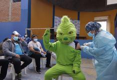 La Libertad: Jóvenes acudieron disfrazados y en pijama a vacunarse (FOTOS)