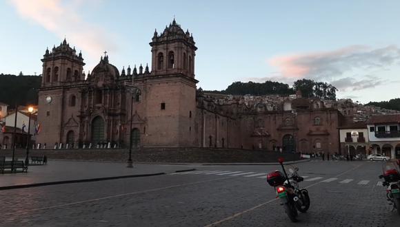 Plaza Mayor de Cusco tomada por efectivos de la Policía.   Foto: Juan Sequeiros.