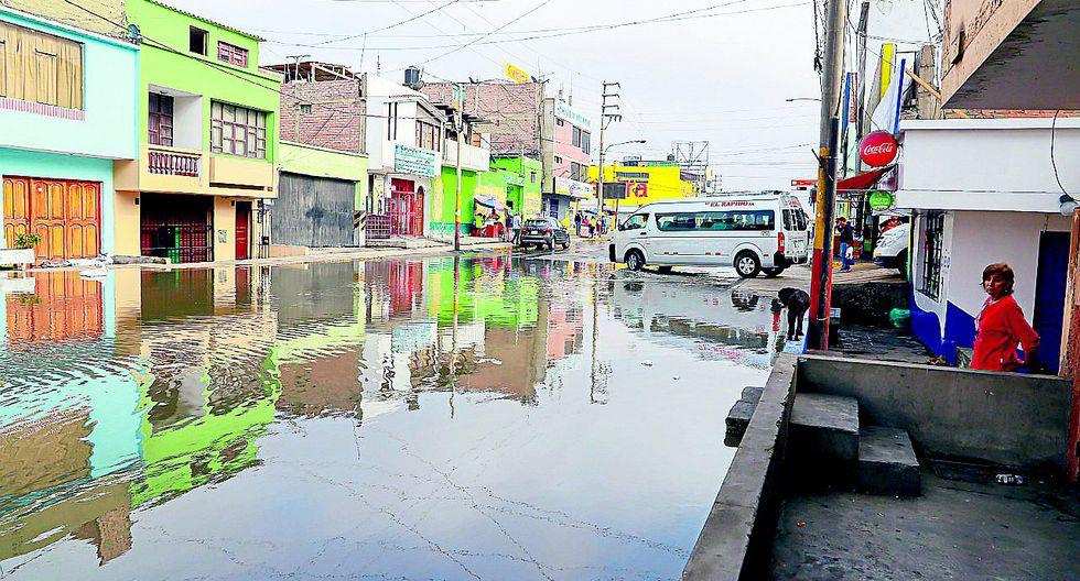"""Colapso de dren """"Los Patos"""" provoca aniego en viviendas y calles de Miramar"""