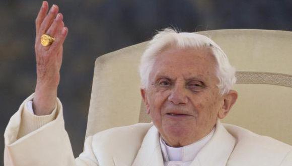 Benedicto XVI entregó el anillo del pescador para ser anulado