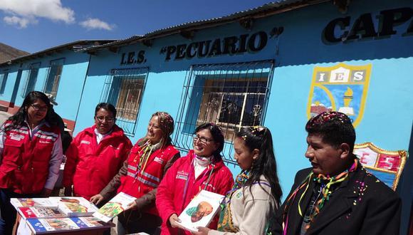 Ministra de Trabajo participó en el inicio del año escolar en la región Puno