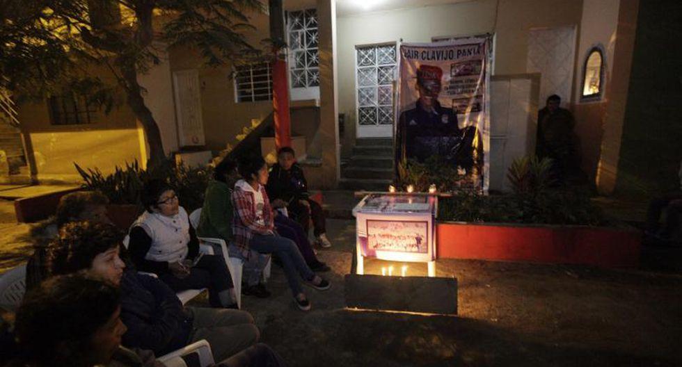 Realizan vigilia en vivienda de Yair Clavijo