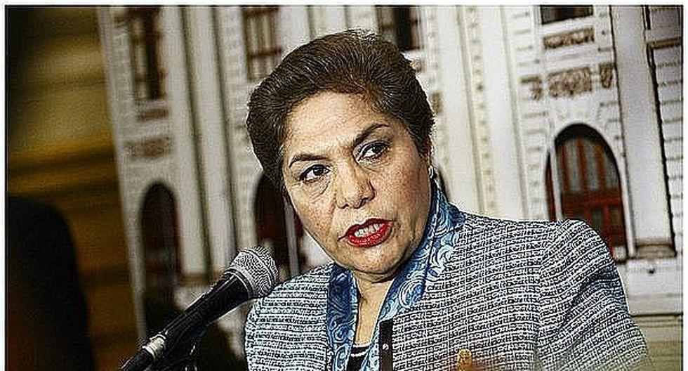 Luz Salgado fue internada de emergencia por problemas cardiacos
