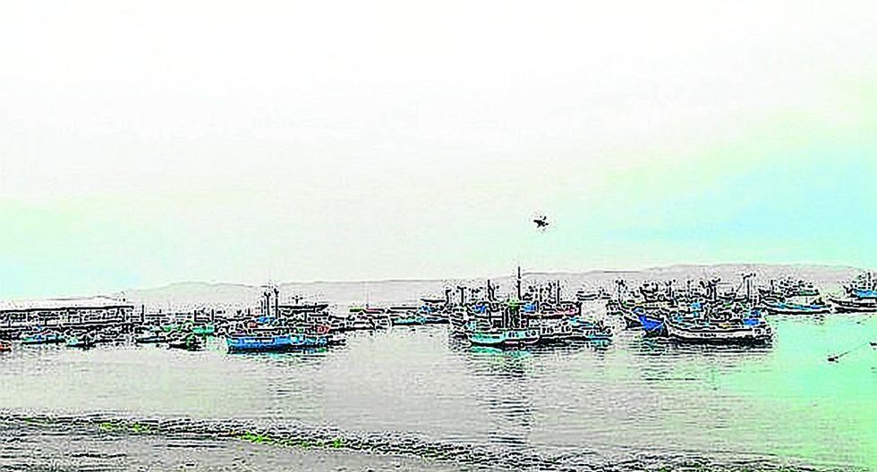 "Dirigente Edwin Pérez: ""Capitanía permite la pesca ilegal en Tumbes"""