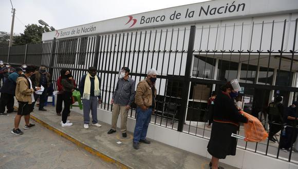 El plan original para el reparto del segundo bono indicaba que el 20 de noviembre iniciaba el pago a través de la Banca celular. (Foto: Leandro Britto / GEC)