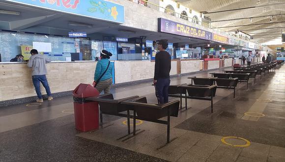 Suspenden venta de boletos a la ciudad de Lima por bloqueo de la carretera Panamericana Sur