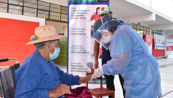 Se iniciará inmunización con adultos mayores que viven en la ciudad de Tacna
