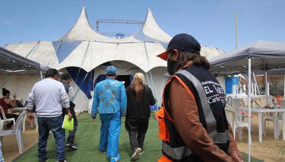 Funcionarios  se aseguran que se cumplan medidas sanitarias  Foto: Caleb Mendoza/Photo @GEC