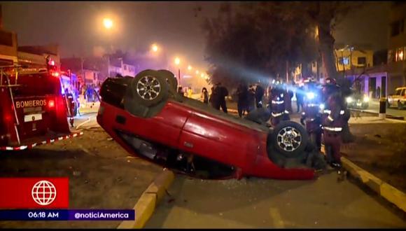 Suboficial de la Policía Nacional resulta ilesa tras accidente en San Juan de Lurigancho. (Captura: América Noticias)