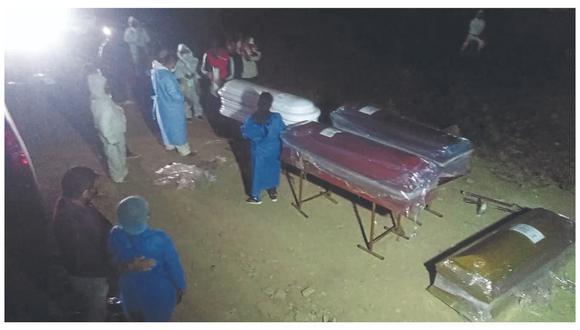 Familiares creen que fueron lanzados a fosas en cementerio temporal de covid en el distrito de Mesones Muro en Pítipo.
