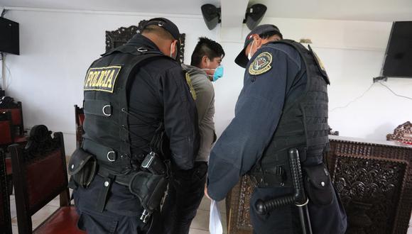Policías son detenidos acusados de secuestro y hurto en Abancay.