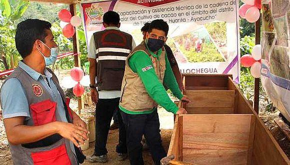 Entregan módulos de aprendizaje a productores cacaoteros de Llochegua
