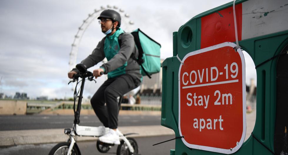 El Reino Unido, país más golpeado de Europa por la pandemia, con casi 90.000 muertes confirmadas por COVID-19, se enfrenta actualmente a una tercera ola desde el descubrimiento en diciembre de una mutación del coronavirus entre 50% y 70% más contagiosa según científicos británicos. (EFE/EPA/ANDY RAIN).