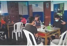 """Áncash: Hallan a """"covidiotas"""" tomando licor y jugando fulbito en Casma"""